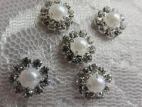 12mm Rhinestone and pearl embellishment
