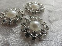 20mm Rhinestone and pearl embellishment